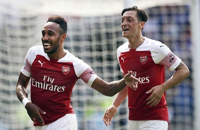 MU và triết lý lãnh đạo của Sir Alex: Emery lĩnh hội tốt hơn Mourinho - 1