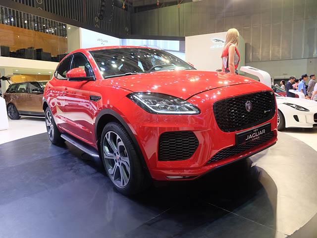 Jaguar E-Pace ra mắt tại Vietnam Motorshow 2018: Giá bán lẻ từ 2,95 tỷ đồng