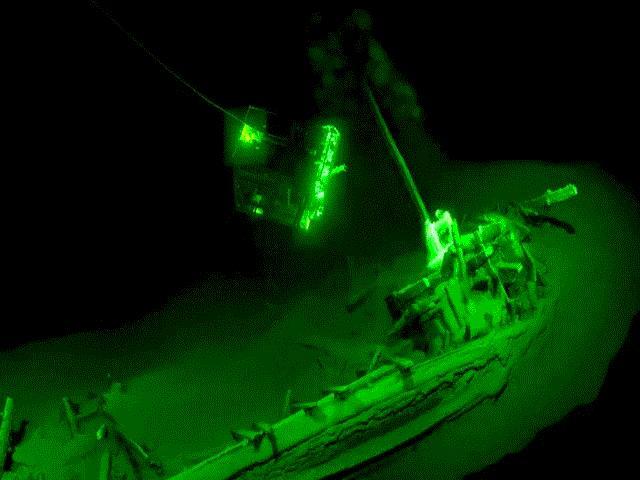 Bí ẩn xác tàu cổ đại còn nguyên vẹn dưới đáy biển sâu
