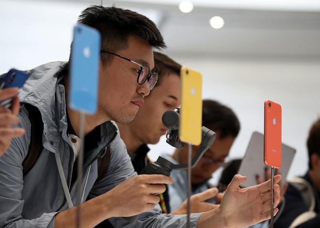 """Sắp ra mắt Oppo F9 Pro với tai thỏ cách điệu, """"sang chảnh"""" hơn iPhone X nhiều - 1"""