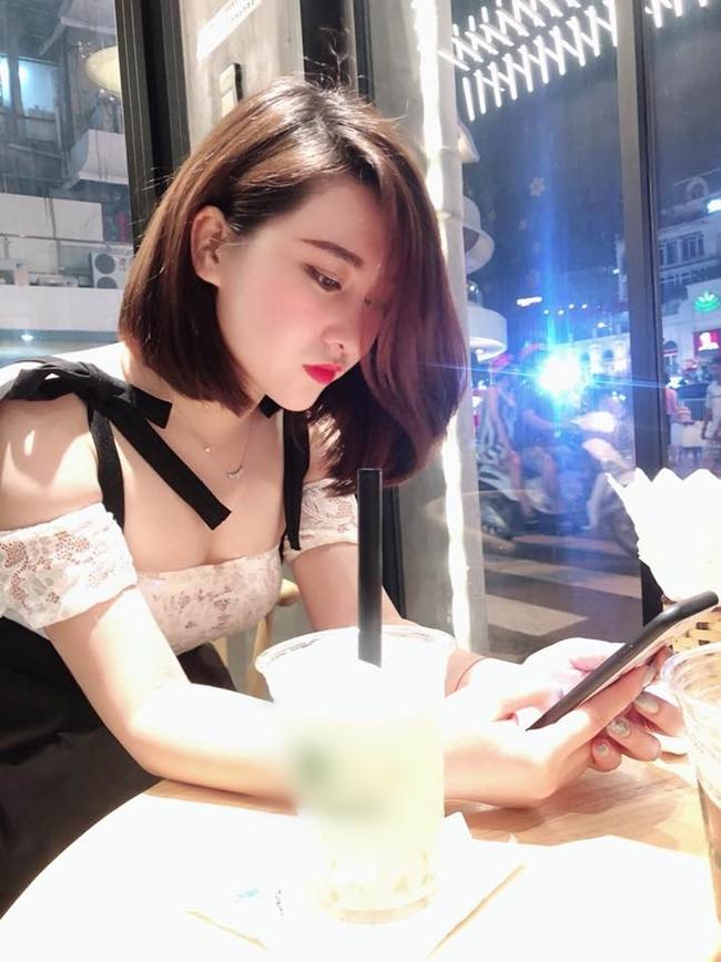 Người đẹp quê Phú Thọ gây chú ý với nhan sắc xinh đẹp, thân hình gợi cảm.