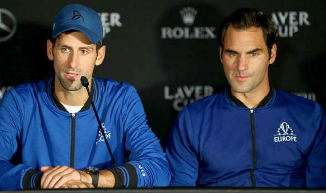 """Đại chiến siêu sao: Djokovic đỏ mặt xin lỗi Federer vì """"một lần lầm lỡ"""" - 1"""
