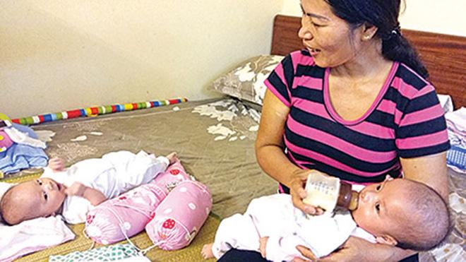 Kỳ diệu bé gái chào đời khỏe mạnh khi người mẹ hôn mê sau TNGT - 1