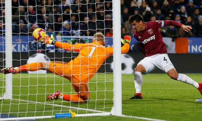 Leicester - West Ham: Thẻ đỏ & định mệnh phút 89 - 1