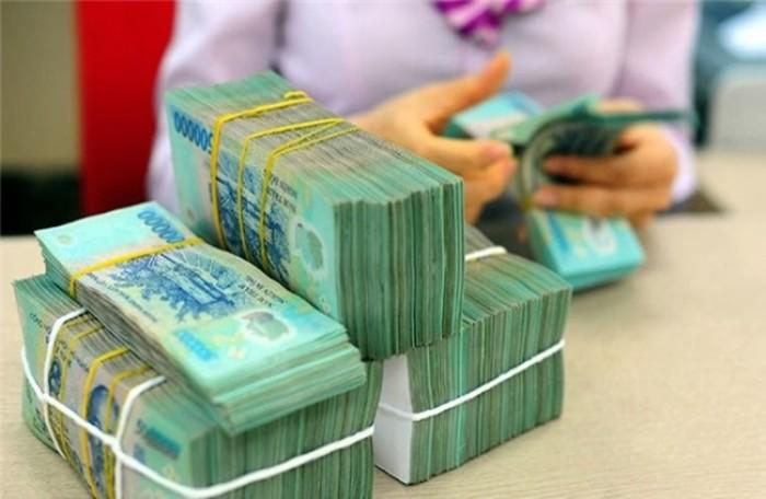 Nhà băng lại vay tiền nhau qua đêm với lãi suất tăng vọt - 1
