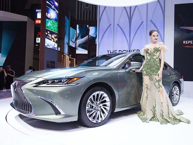Chi tiết Lexus ES300 2019 vừa ra mắt tại Việt Nam