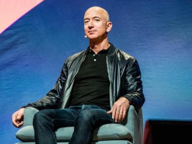 Tỷ phú Jeff Bezos lập kỷ lục sụt giảm tài sản nhanh và nhiều nhất lịch sử