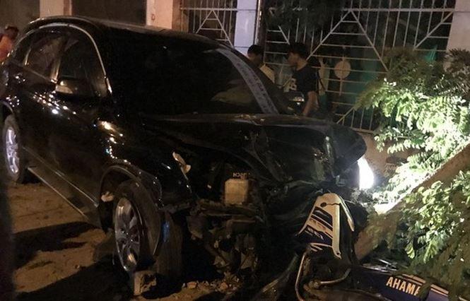 Thượng tá lái ô tô gây tai nạn liên hoàn, nhiều người bị thương - 1