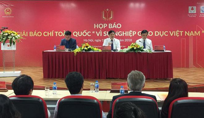 Gần 700 tác phẩm được chọn chấm Sơ khảo Giải Báo chí 'Vì sự nghiệp Giáo dục Việt Nam' - 1