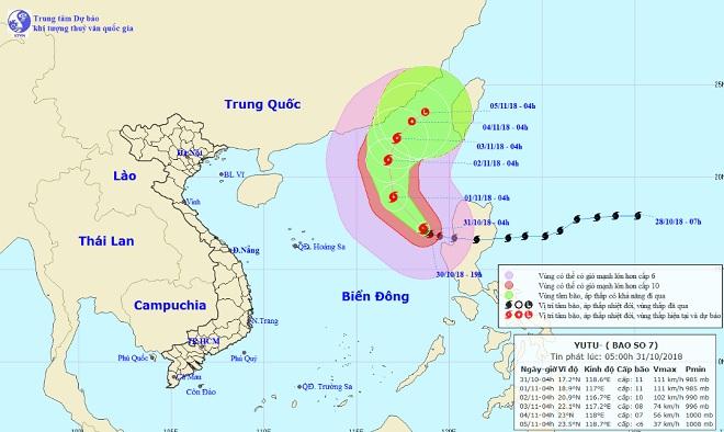 Siêu bão Yutu giật cấp 13 liên tục đổi hướng, biển động dữ dội - 1