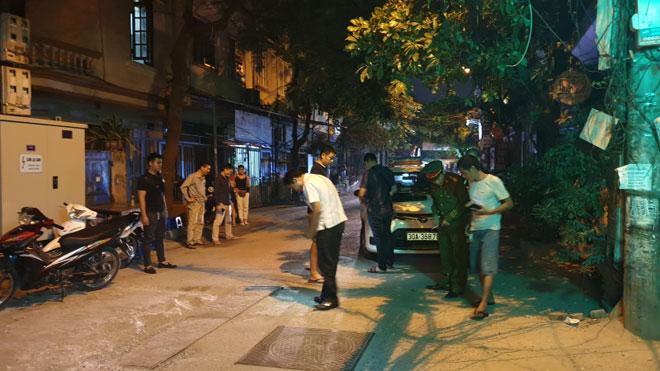 Xác định danh tính tài xế taxi bị bắn và cán sau va chạm - 1