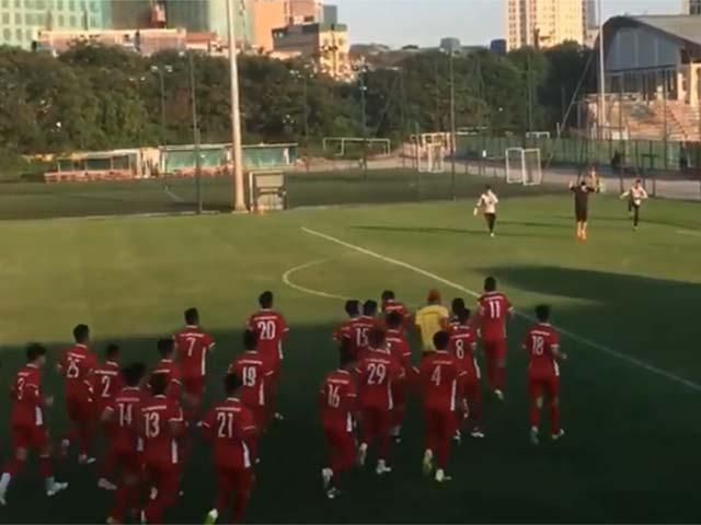 """ĐT Việt Nam tranh vàng AFF Cup: HLV Park Hang Seo """"nhăn mặt"""" vì 3 SAO"""