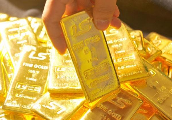 Giá vàng hôm nay 1/11: Vàng bị bán tháo, đô la bám đỉnh - 1