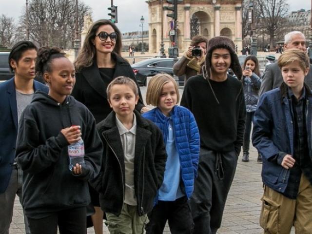 Sốc: 6 đứa con đều muốn sống với Brad Pitt, công sức tranh giành suốt 2 năm của Angelina Jolie đổ sông đổ bể