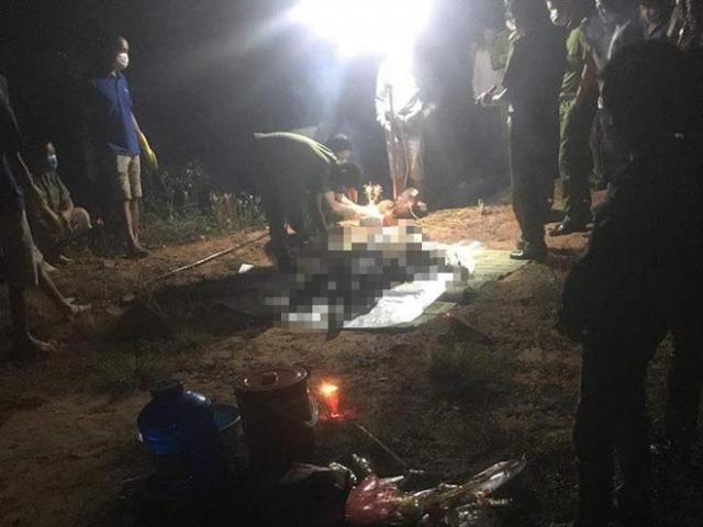 Kinh hoàng phát hiện thi thể người đàn ông đang phân hủy trong vũng nước