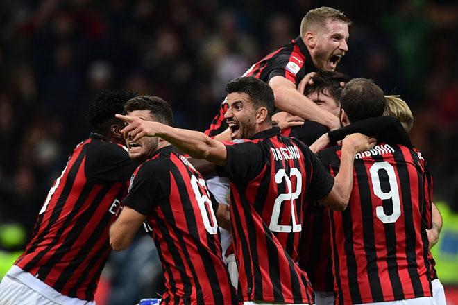 AC Milan - Genoa: Ngỡ ngàng với những siêu phẩm - 1