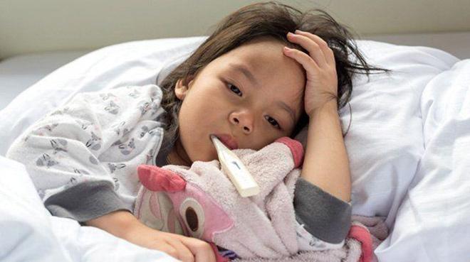 Cách sử dụng thuốc an toàn khi trẻ bị sốt xuất huyết - 1