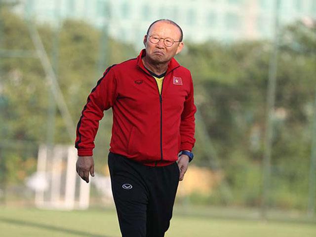 """ĐT Việt Nam luyện bài đua AFF Cup: Thầy Park khiến học trò """"choáng"""""""