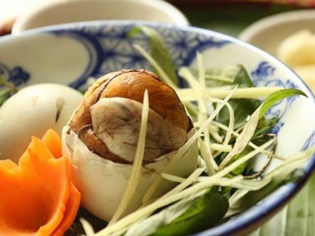 Ăn trứng vịt lộn theo cách này sẽ cực kỳ nguy hiểm