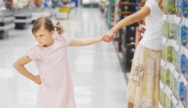 5 biểu hiện cho thấy con bạn là đứa trẻ hư, không uốn nắn có ngày hối hận - 1