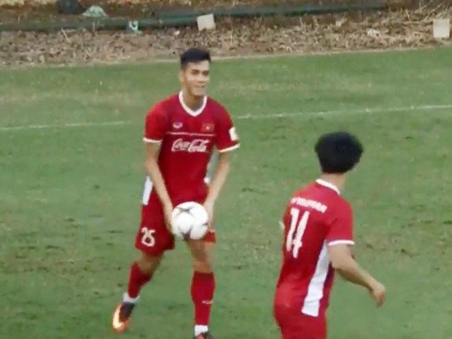 """Hàng công ĐT Việt Nam chật chội: """"Vua phá lưới nội"""" mơ xa ở AFF Cup - 1"""