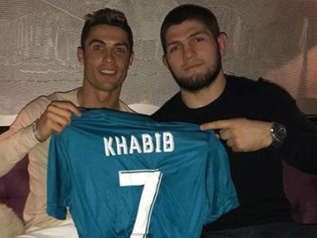 """Khabib hạ McGregor kéo 13 triệu fan: Thách đấu """"vua sống ảo"""" Ronaldo"""