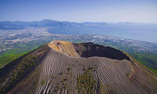Phát hiện điện thờ La Mã dưới tro núi lửa 2.000 năm ở Pompeii - 1