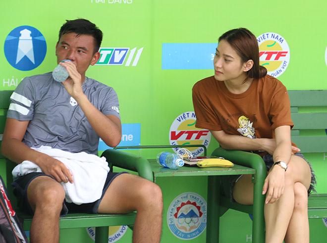 Bạn gái hot girl đầy tâm trạng bên Lý Hoàng Nam sau cú đúp về nhì - 1
