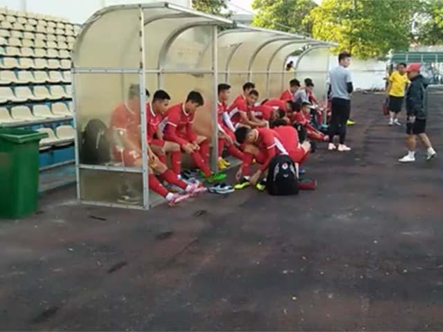 ĐT Việt Nam luyện công đấu Lào: HLV Park Hang Seo lo cái nóng đổ lửa (AFF cup)