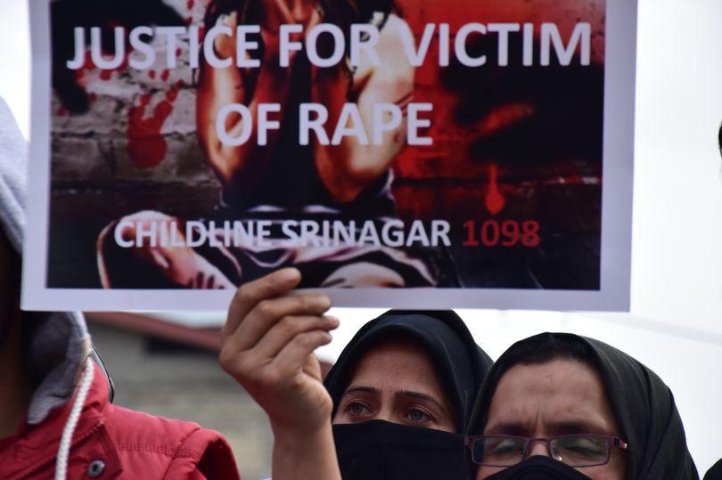 Nhập viện vì rắn cắn, bé gái Ấn Độ bị hộ lý cưỡng hiếp - 1