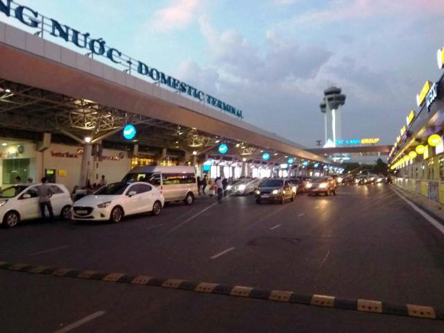 """Hai nữ tiếp viên hàng không """"choảng nhau"""" ở sân bay Tân Sơn Nhất"""