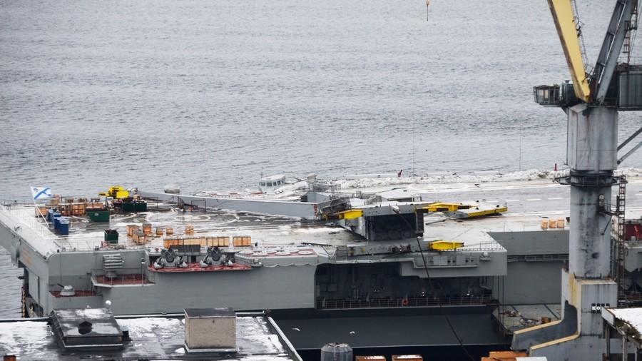 Cận cảnh tàu sân bay duy nhất Nga bị thủng một lỗ vì tai nạn bất ngờ - 1