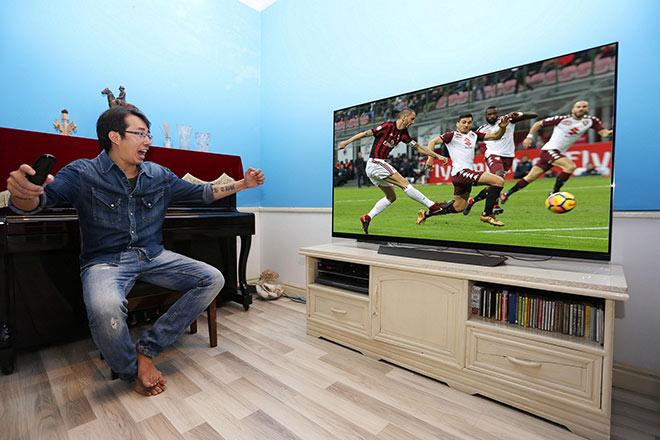 """Trương Anh Ngọc: """"Với tôi, bình luận bóng đá là đam mê cháy bỏng"""" - 1"""