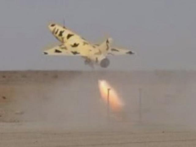 """Video: Iran """"ào ào"""" phóng tên lửa, tiêm kích đáp trả lệnh trừng phạt của Mỹ"""