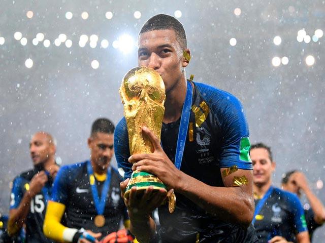 Vua chuyển nhượng: Mbappe phế ngôi Neymar, cho Ronaldo hít khói