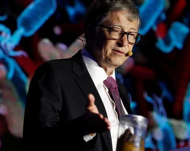 Tỷ phú Bill Gates hành động gây sốc khi thuyết trình ở Trung Quốc - 1