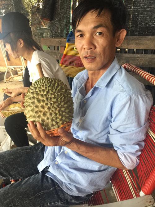 Ghép, trồng 7.000 cây giống sầu riêng độc-lạ, lời gần 2 tỷ đồng - 1