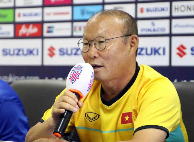 Họp báo ĐT Việt Nam đấu Lào: Park Hang Seo hứa bùng nổ chiều fan Việt - 1