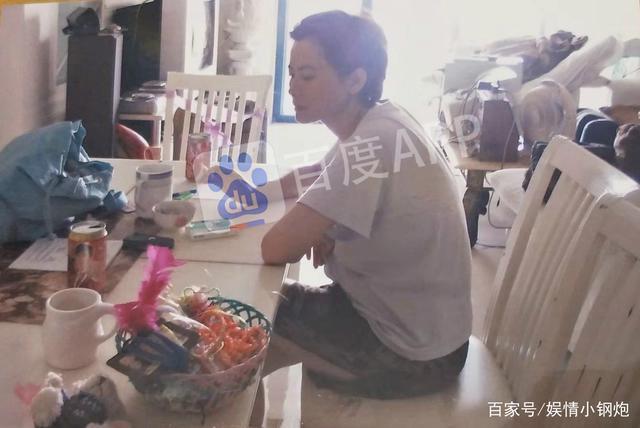 Hé lộ hình ảnh căn hộ 20m2, đồ đạc bừa bộn của Lam Khiết Anh trước khi qua đời - 1