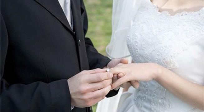Tôi có nên cưới bác sỹ phụ khoa đã từng chữa bệnh cho mình? - 1