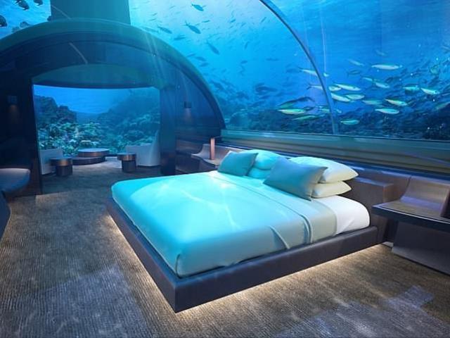 Ngủ cùng cá trong khách sạn đầu tiên dưới đáy đại dương