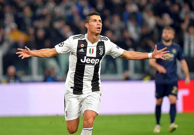 Ronaldo phát biểu khiến M.U đau điếng