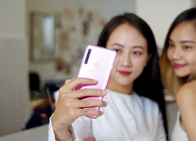 Người dùng trẻ có thể kỳ vọng gì về smartphone 4 camera sau đầu tiên trên thế giới? - 1