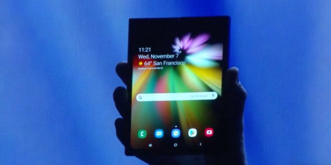 """Video: Smartphone gập của Samsung khiến các đối thủ """"mất ngủ"""" - 1"""