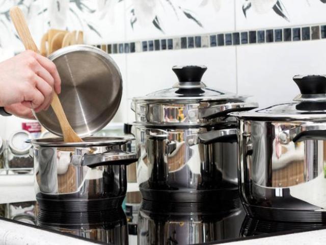 Không ngờ những dụng cụ nhà bếp quen thuộc này lại vô cùng độc hại