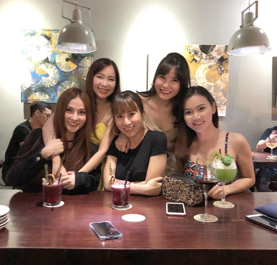 Yến Trang tiếp tục vắng mặt trong buổi hội ngộ của nhóm Mây Trắng - 1