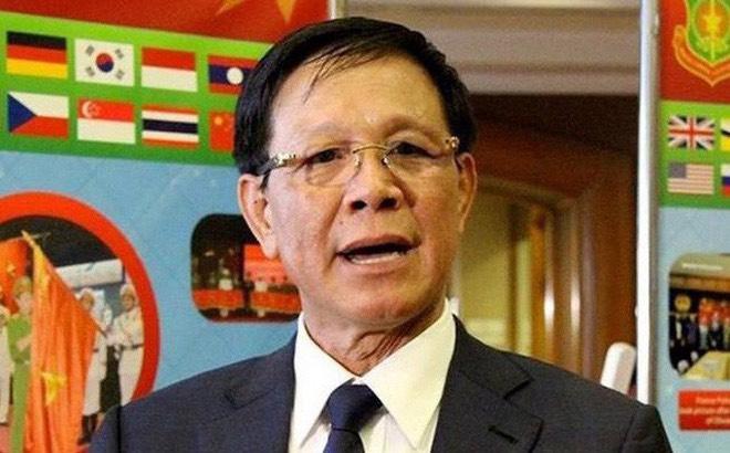 Ông Phan Văn Vĩnh bị ngã sưng trán trong bệnh viện - 1