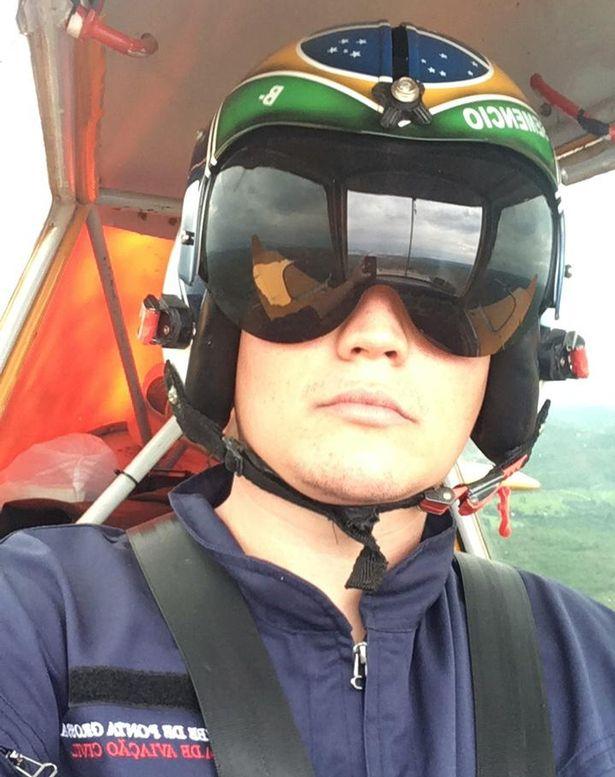 Máy bay rơi xuống rừng và điều bất ngờ với phi công sau 4 ngày - 1