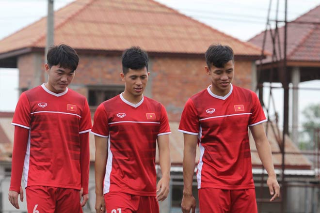 ĐT Việt Nam tập ngay sau đại thắng Lào: Thầy Park vẫn giấu bài - 1