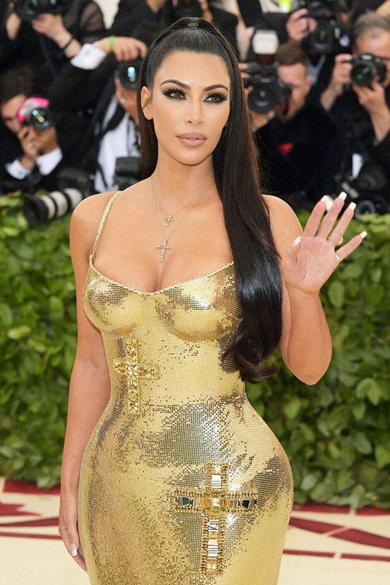 Tình cũ tiết lộ Kim Kardashian tốn hơn 2 tỷ đồng chỉ để mua nội y - 1